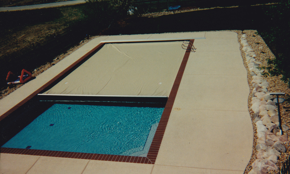 Automatic pool cover